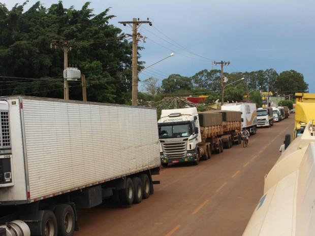 Manifestantes em MS desbloqueiam rodovias após protestos, diz PRF (Foto: Tatiane Queiroz/ G1 MS)