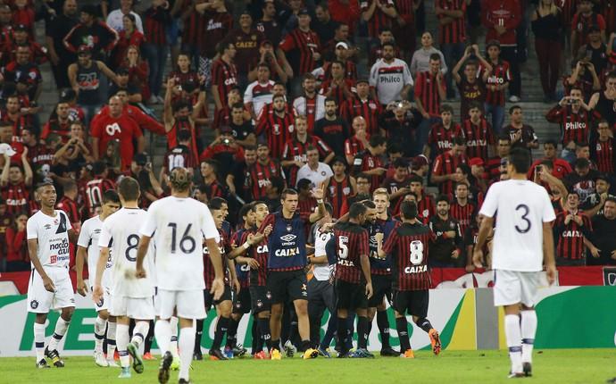 Atlético-PR Remo  (Foto: Giuliano Gomes/ Agência PRPRESS)
