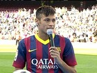 Neymar é apresentado no Barcelona diante de cerca de 55 mil torcedores