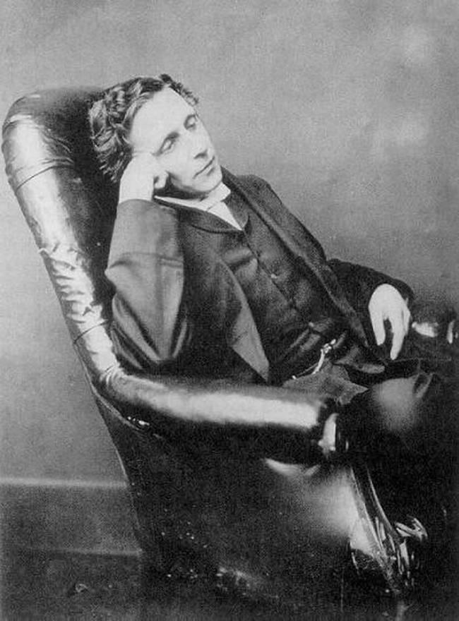 Escritor Lewis Carroll anos antes de sua morte.  (Foto: Domínio Público)
