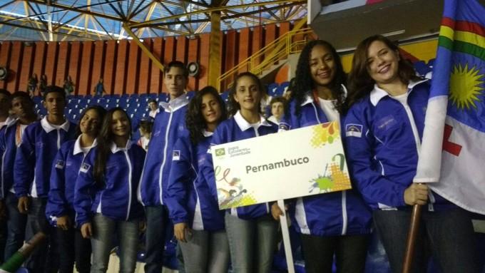 Jovens atletas de Pernambuco na abertura dos Jogos Escolares da Juventude (Foto: Ramyres Coelho/Arquivo Pessoal)