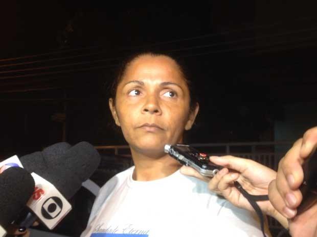 Terezinha Maria de Jesus, 36, mãe do menino Eduardo de Jesus Ferreira, 10 anos, morto durante ação policial no Conjunto de Favelas do Alemão. (Foto: Daniel Silveira / G1)