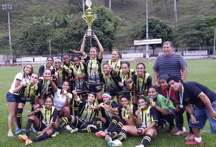 Equipe do Selc, da Serra, conquistou a Copa Espírito Santo de futebol feminino 2013 (Foto: Divulgação/Selc)