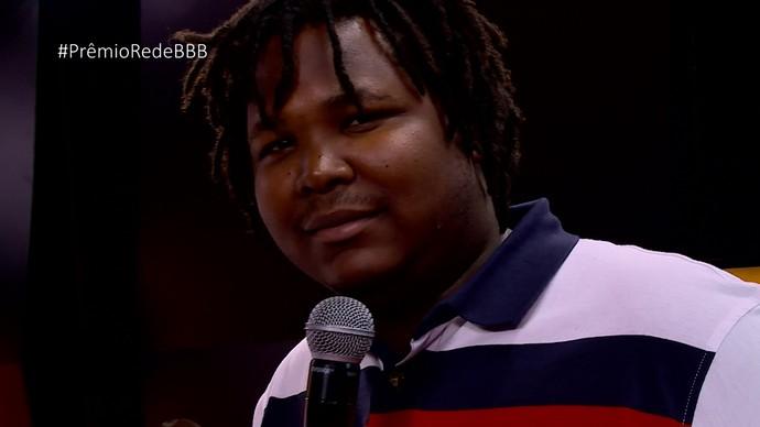 Ronan manda recado para Roberta no Prêmio RedeBBB (Foto: Gshow)
