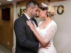 Andressa Urach abre álbum de casamento com Tiago Costa