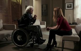 Alberto promete a Lívia que contará a verdade para Emília