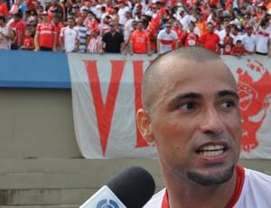 Alexandre Carioca, volante do Vila Nova (Foto: Guilherme Gonçalves/Globoesporte.com)
