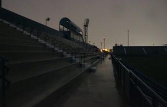 Falta de energia em estádio atrasa jogo do Brasileiro Feminino, no AM