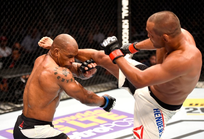 Dan Henderson Hector Lombard UFC 199 (Foto: Getty Images)