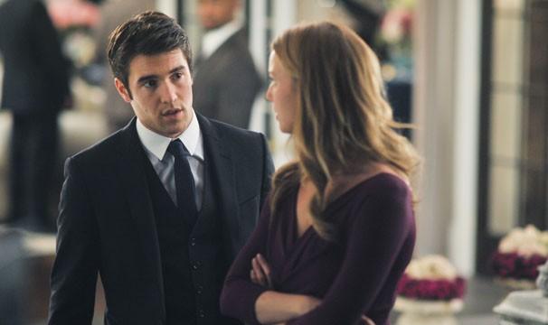 Daniel resolve dasabafar com Emily (Foto: Divulgação / Disney Media Distribution)