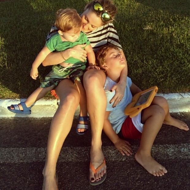EGO - Claudia Leitte posta foto com os filhos: 'Nós somos ...