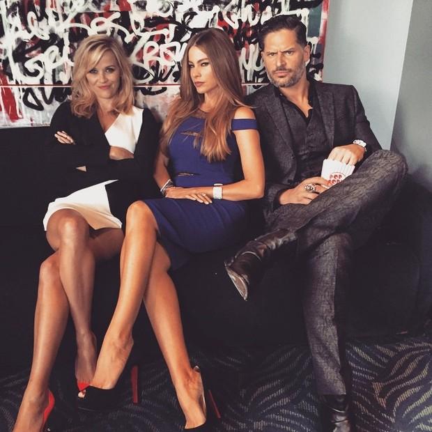 Reese Witherspoon, Sofia Vergara e Joe Manganiello em prêmio em Los Angeles, nos Estados Unidos (Foto: Instagram/ Reprodução)