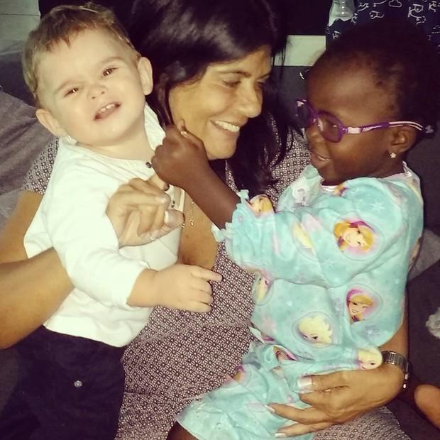 Titi, filha de Bruno Gagliasso e Giovanna Ewbank, aparece em fotos superfofas na web (Foto: Reprodução do Instagram)