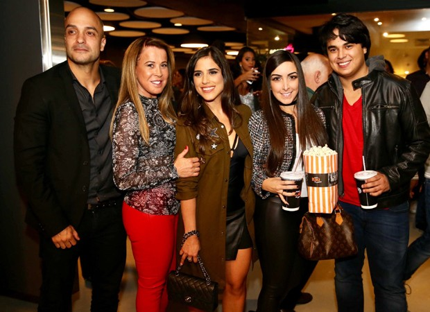 Leonardo Lessa, Zilu, Camilla Camargo, Amabylle Eiroa e Igor Camargo (Foto: Manuela Scarpa/Brazil News)