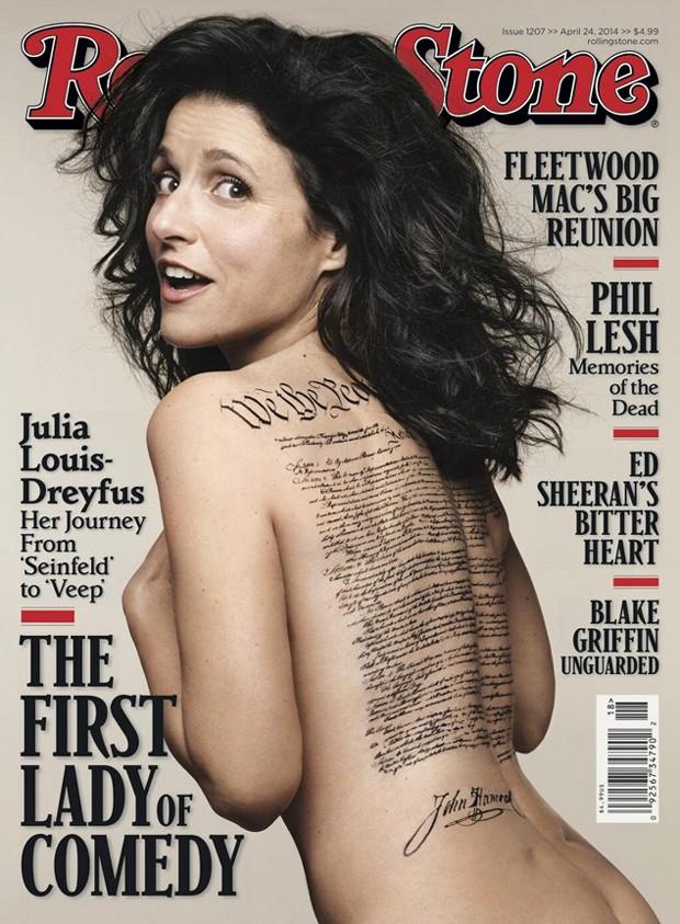 ... Aos 53 anos, atriz Julia Louis-Dreyfus aparece nua em capa de revista