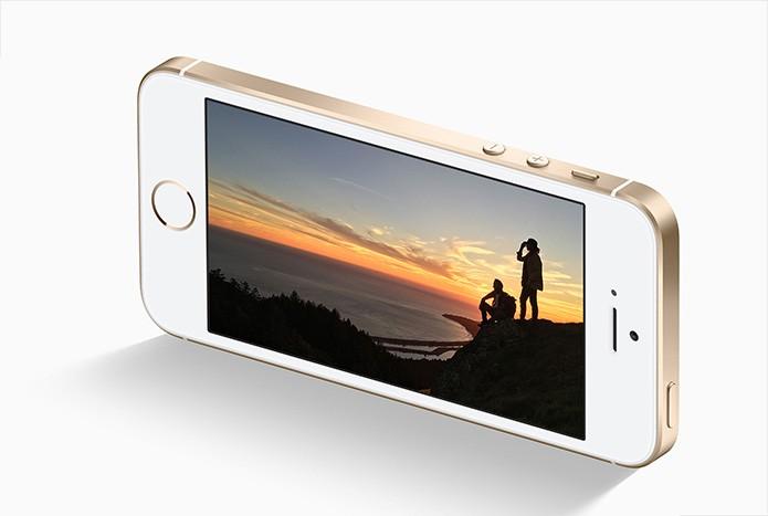 iPhone SE está disponível em modelos com 16 GB e de 64 GB internos (Foto: Divulgação/Apple)