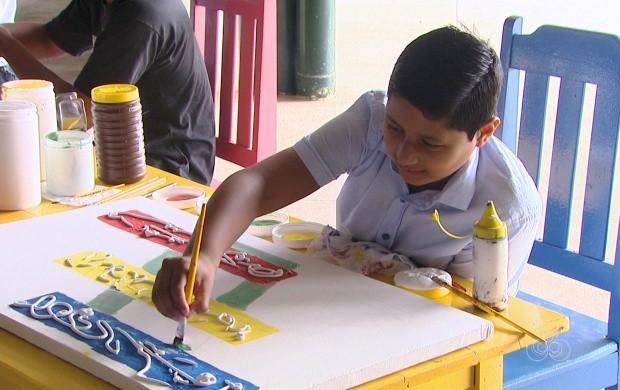 Adultos e crianças participam de atividades recreativas (Foto: Roraima TV)