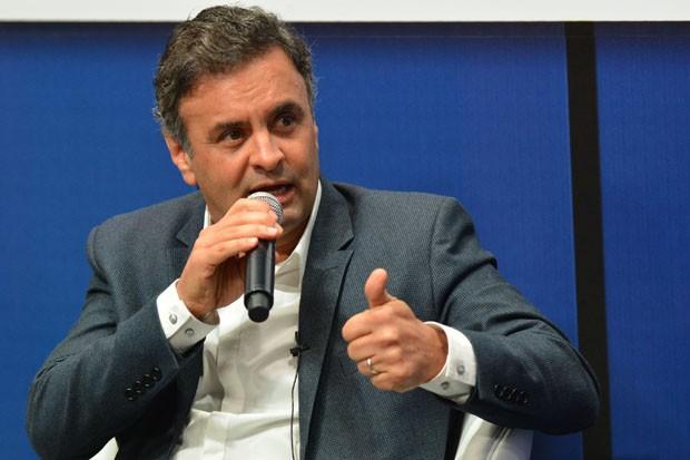 Aécio Neves é sabatinado por colunistas do jornal O Globo (Foto: Marcello Dias/Futura Press/Estadão Conteúdo)
