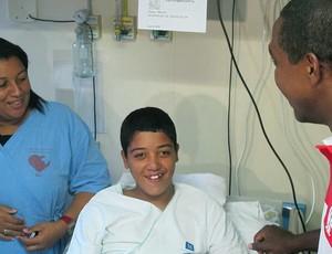 Renato Abreu com bruno rodrigues, que é tricolor - (Foto: Janir Junior / Globoesporte.com)