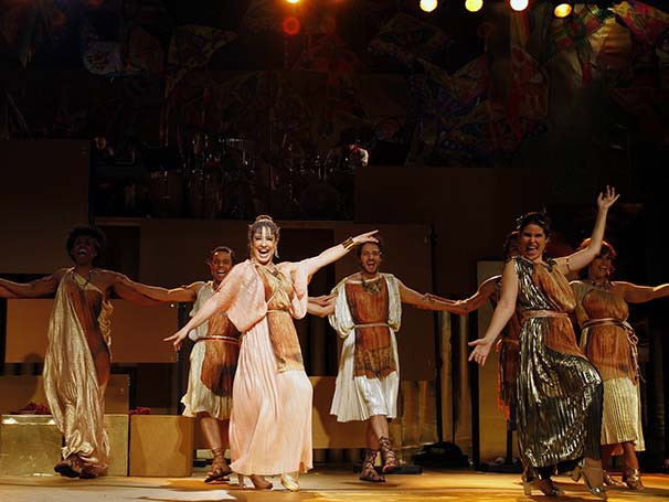 Deuses do Olimpo viajam ao Rio de Janeiro e conhecem diversos bairros (Foto: Guga Melgar)