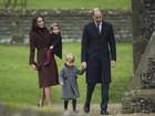 Princesa Charlotte e príncipe George vão com os pais à missa de Natal