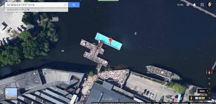 Piscina construída sobre um rio em Berlim, na Alemanha (Foto: Reprodução/Google) (Foto: Piscina construída sobre um rio em Berlim, na Alemanha (Foto: Reprodução/Google))