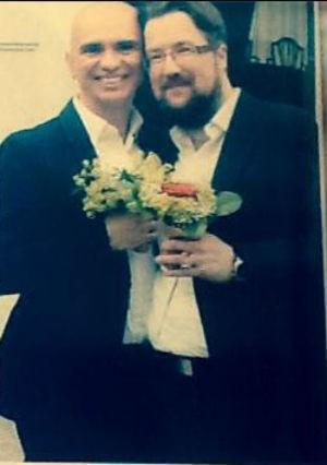 Edson e Oliver no dia do casamento (Foto: Reprodução/facebook)