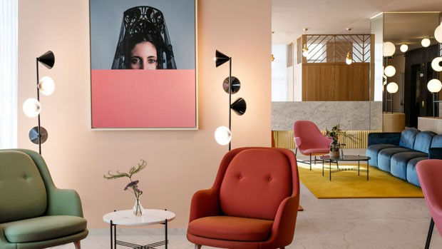 Décor do dia: sala de estar colorida e sofisticada (Foto: Divulgação)