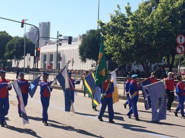 Desfile do Sete de Setembro no Centro do Rio durou pouco mais de duas horas (Foto: Guilherme Brito / G1)