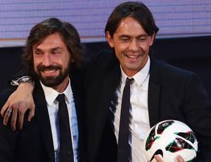 Andrea Pirlo e Filippo Inzaghi prêmio (Foto: Getty Images)