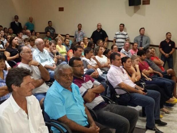 Câmara de Paraíso ficou lotada para a sessão (Foto: Álvaro Loureiro / TV TEM)