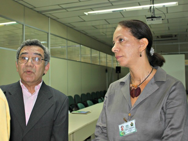 Reitor e vice-reitora da Universidade do Estado do Amazonas (Foto: Adneison Severiano G1/AM)