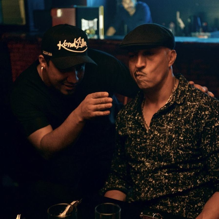 KondZilla e Mano Brown na gravao do clipe de 'Um Preto Zica' (Foto: Divulgao)
