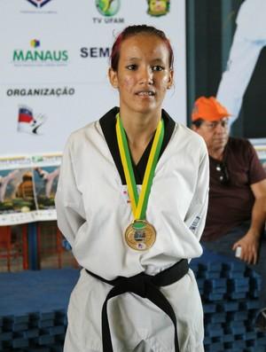 Elissa Pimentel é melhor lutadora amazonense no ranking nacional (Foto: Frank Cunha/Globoesporte.com)