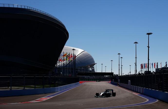 Lewis Hamilton, treino GP Rússia (Foto: Getty)