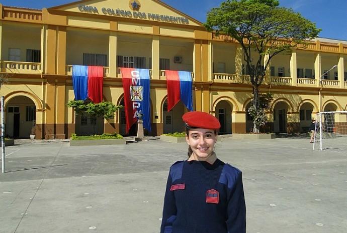 Yasmin cursa o terceiro ano do Ensino Médio no Colégio Militar de Porto Alegre (Foto: Arquivo Pessoal)