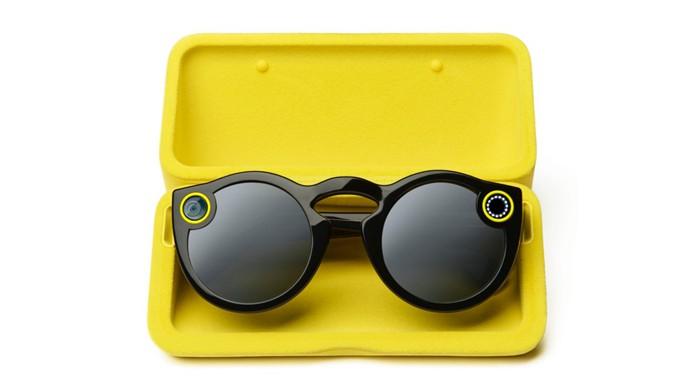 Óculos do Snapchat são recarregados em case especial (Foto: Reprodução/Snapchat)