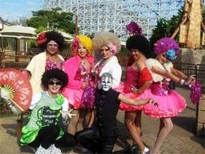 Esquadrão das Drag Queens chega ao Gay Day no parque de diversões Hopi Hari, em Vinhedo (SP) (Foto: Bruna Stuppiello/G1 Campinas)