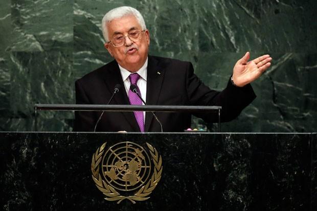 O presidente palestino, Mahmmud Abbas, discursa na ONU nesta quarta-feira (30) (Foto: Richard Drew/AP)