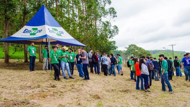 vacathon-embrapa-leite-alunos-ensino (Foto: Divulgação)