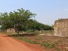 Chuva com granizo danifica telhados e derruba muros de escolas em RO