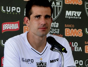Victor atlético-mg coletiva (Foto: Fernando Martins)