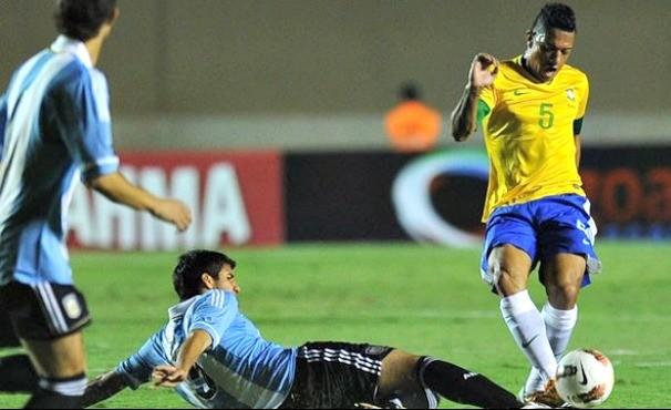 Brasil e Argentina  (Foto: EFE / Reprodução: Globoesporte.com)