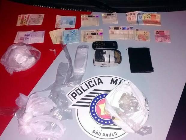 Material apreendido com suspeito em Piracicaba (Foto: Valter Martins/Piracicaba em Alerta)
