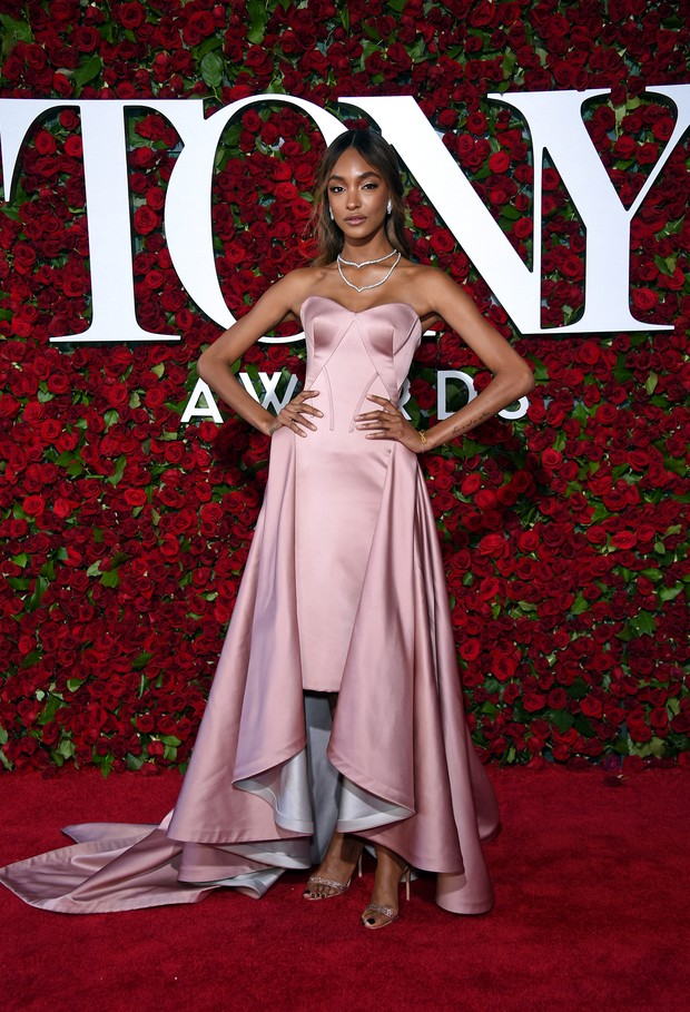 Jourdan Dunn no Tony Awards (Foto: AFP)