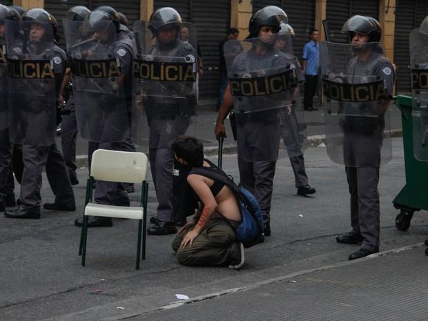 Estudantes realizam protesto contra a reorganização escolar na Avenida Tiradentes, em São Paulo  (Foto: Marivaldo Oliveira/Futura Press/Estadão Conteúdo)