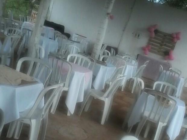 Mulher realizou quatro dias de festa, mas convidados não compareceram (Foto: Divulgação/Kariany Ferreira)