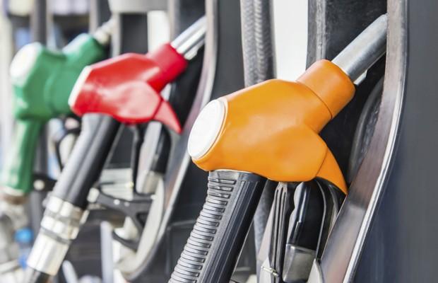 Bomba de combustível em posto de gasolina (Foto: Thinkstock)