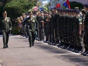 9fb03f2a5b Troca de comando na Escola de Cadetes do Exército em Campinas (Foto:  Reprodução /