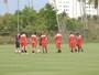Bauza mantém Ganso na reserva; Maicon não treina, mas promete jogar